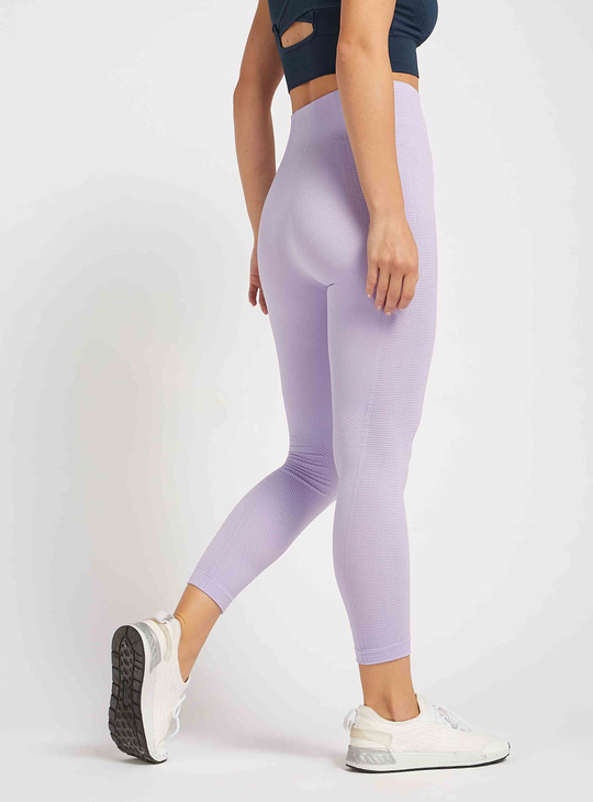Textured Ankle Length Mid Rise Leggings with Elasticated Waistband