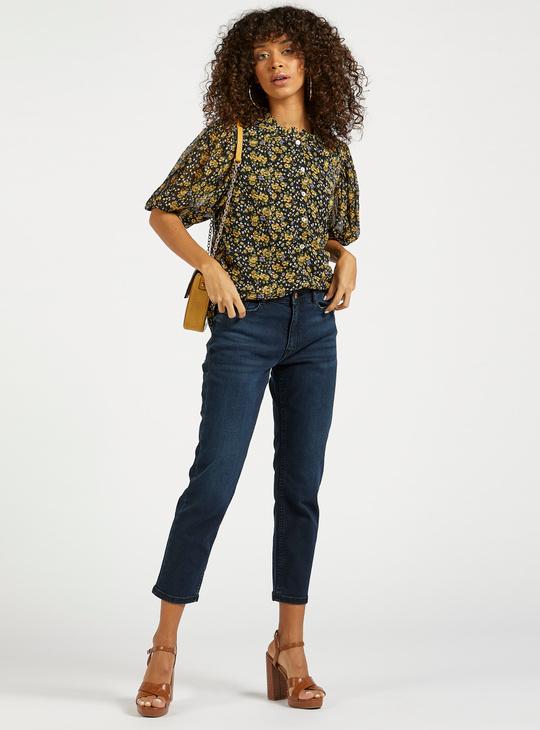 Solid Cropped Jeans with Pockets and Button Closure
