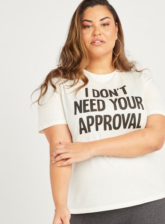 Slogan Print T-shirt with Short Sleeves