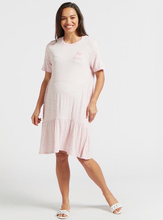 قميص نوم للحوامل بياقة مستديرة وأكمام قصيرة وطبعات