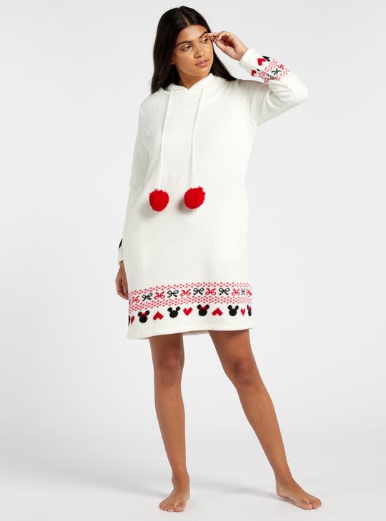 قميص نوم بارز الملمس بياقة بقبّعة وطبعات ميكي ماوس من كوزي كوليكشن