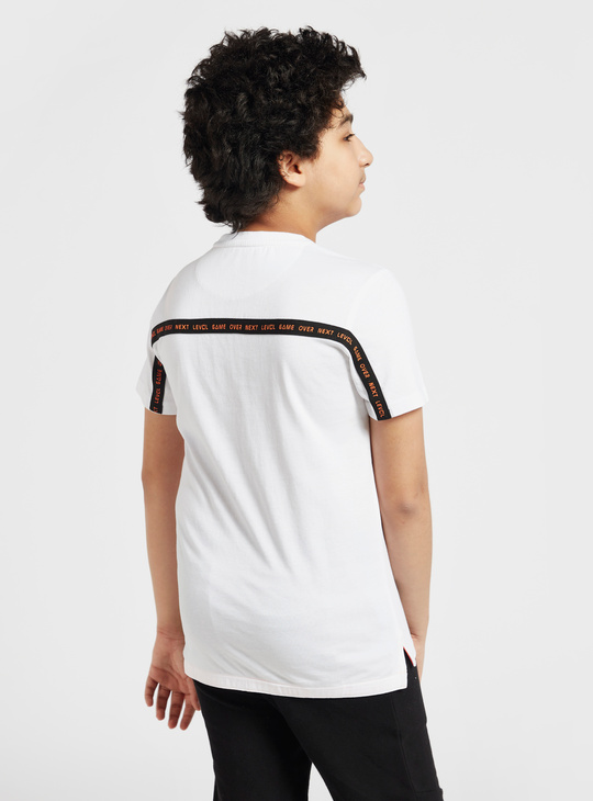 Text Print T-shirt with Round Neck and Zip Pocket Detail
