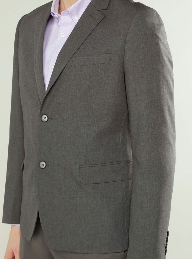 Textured Formal Blazer with Notched Lapel and Long Sleeves