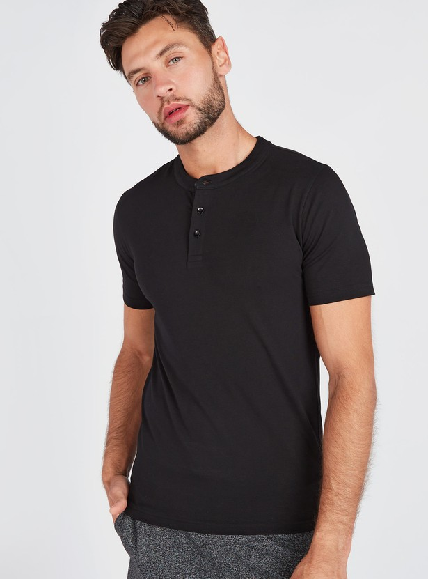 Slim Fit Solid T-shirt with Henley Neck and Short Sleeves