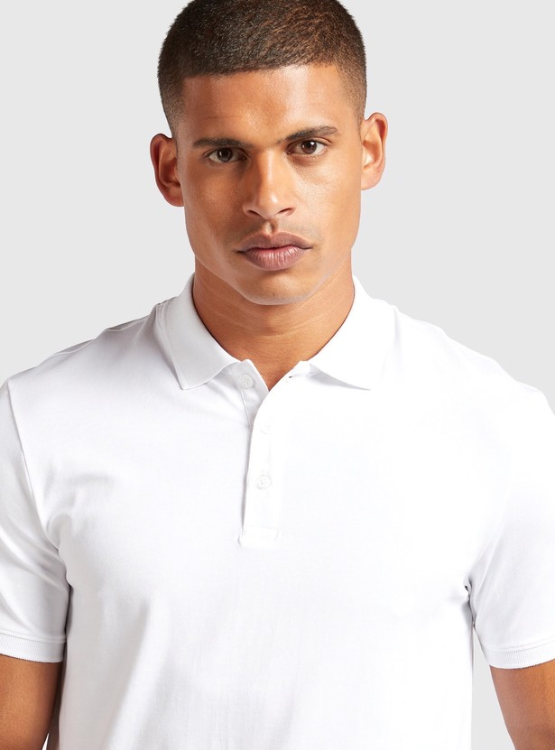 Solid Polo Neck Slim Fit T-shirt with Short Sleeves