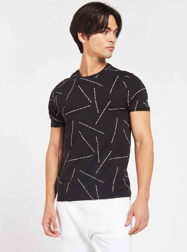 Slim Fit All-Over Text Print T-shirt with Crew Neck and Short Sleeves
