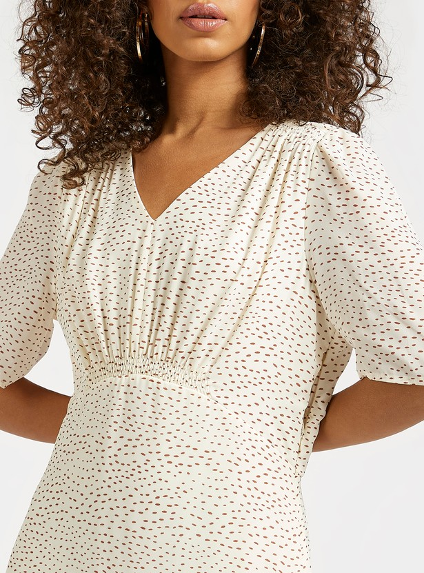 All-Over Print Midi A-line Dress with V-neck and Short Sleeves