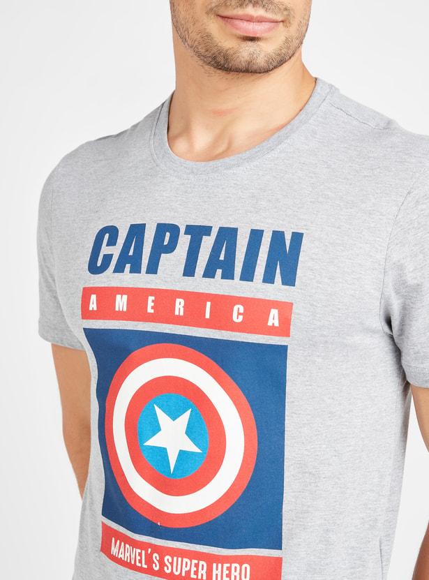 تيشيرت بأكمام قصيرة وطبعات كابتن أمريكا