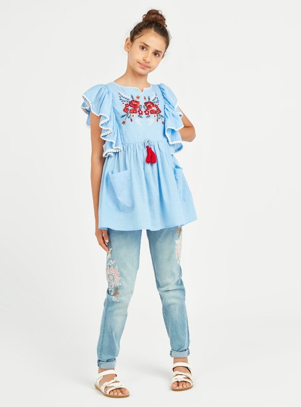 Embroidered Top with Round Necck and Cap Sleeves