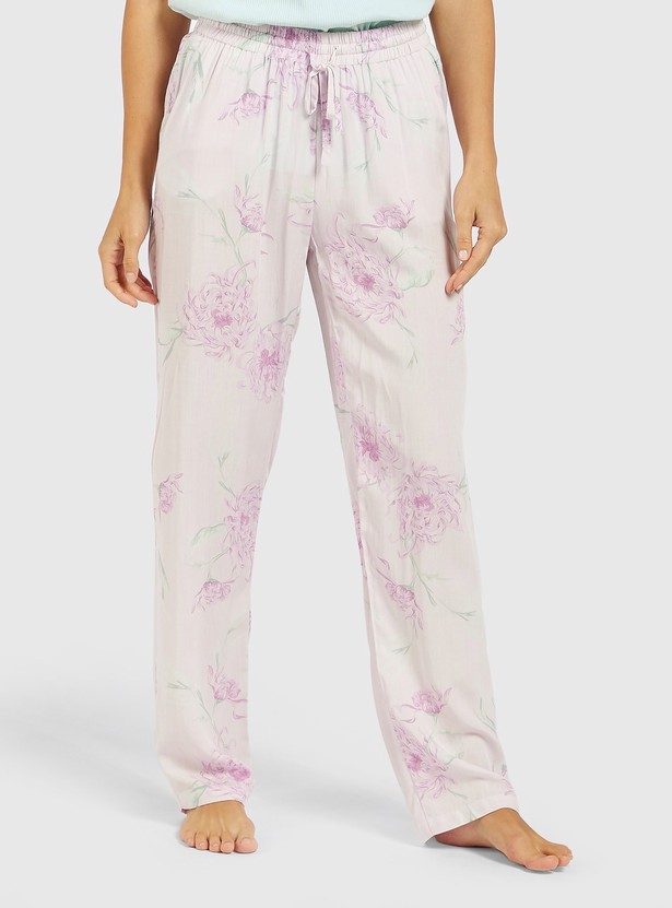 Solid Lace Detail T-shirt and Printed Pyjama Set
