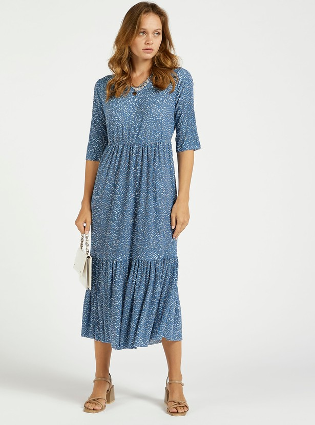 Textured Floral Print Midi Tiered Dress with V-neck and Short Sleeves
