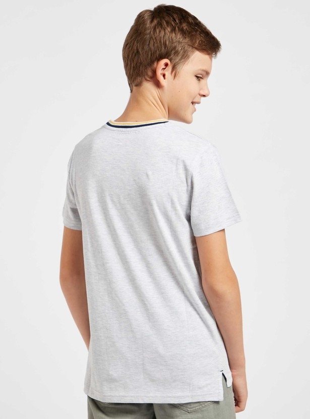 Shadow Print T-shirt with Round Neck and Short Sleeves
