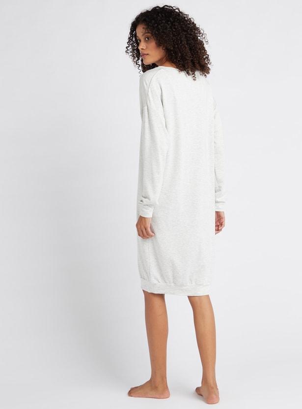قميص نوم بأكمام طويلة وياقة مستديرة وطبعات - تشكيلة كوزي
