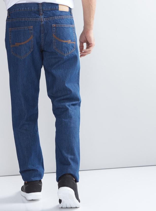 بنطال جينز بطول كامل بقصّة مطابقة للجسم