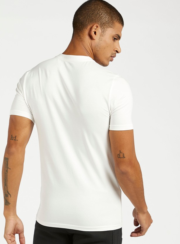 Textured Muscle Fit Henley Neck T-shirt with Short Sleeves