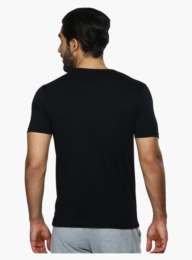 Henley Neck Short Sleeves T-Shirt in Slim Fit