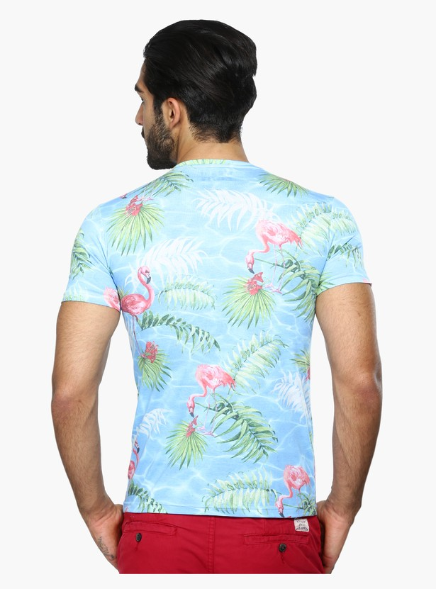 Printed Round Neck Short Sleeves T-Shirt in Slim Fit