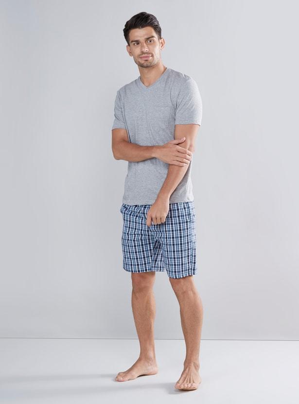 Patch Pocket V-neck T-shirt with Checked Drawstring Shorts Set
