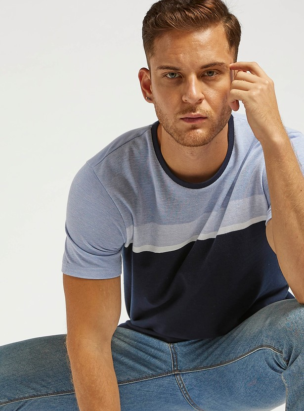 Panel Round Neck T-shirt with Short Sleeves