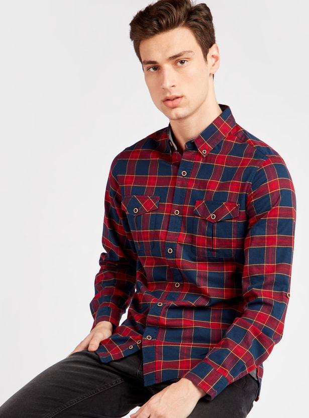 قميص كاروهات بياقة أزرار وأكمام طويلة