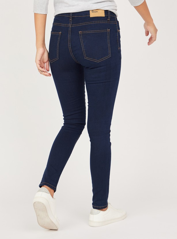 Slim Fit Full Length Solid Jeans with Pocket Detail