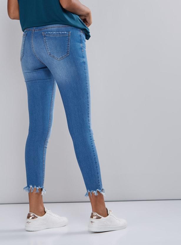 بنطال جينز قصير بزر إغلاق