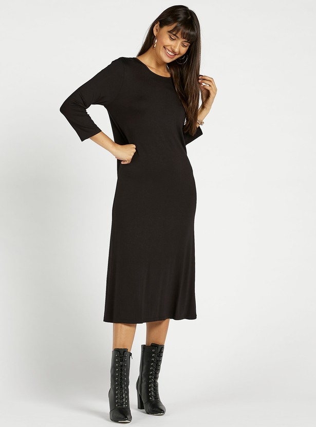 Solid Shift Midi Dress with Round Neck and 3/4 Sleeves