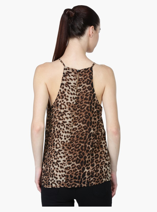 Printed Round Neck Top in Regular Fit