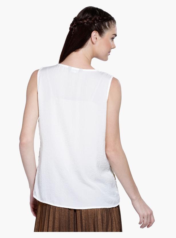 Printed Sleeveless Top in Regular Fit