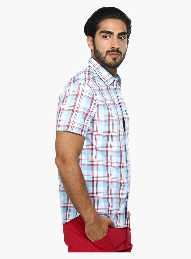 قميص كاجوال بنقش كاروهات وأكمام قصيرة