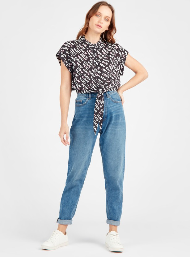 Graphic Print Boxy Shirt with Cap Sleeves and Knotted Hem