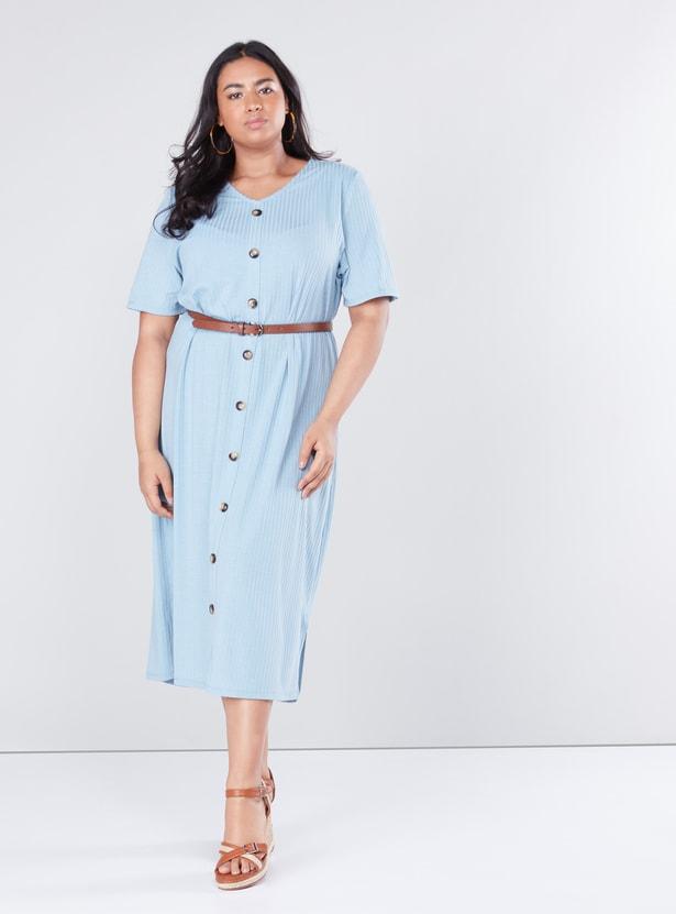 فستان مضلّع متوسط الطول بأكمام قصيرة
