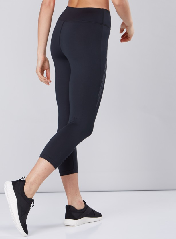 Printed Side Tape Detail Capris in Slim Fit with Elasticised Waistband