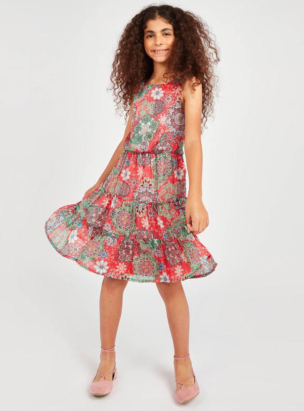 فستان دون أكمام بياقة مستديرة وطبعات أزهار
