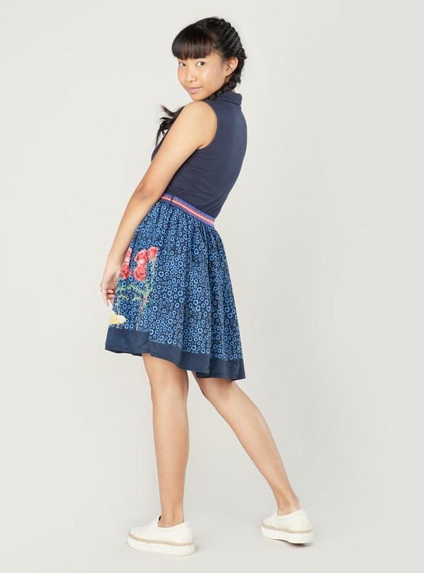 فستان دون أكمام بياقة عادية وطبعات سنووايت