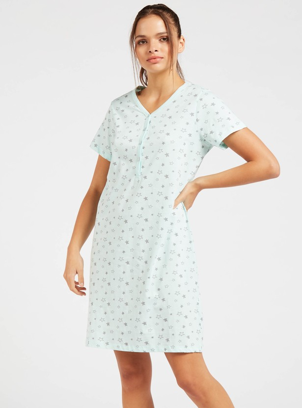All-Over Star Print Sleep Dress with V-neck and Short Sleeves