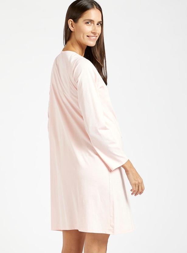 فستان نوم للحوامل بياقة مستديرة وأكمام طويلة وطبعات جرافيك