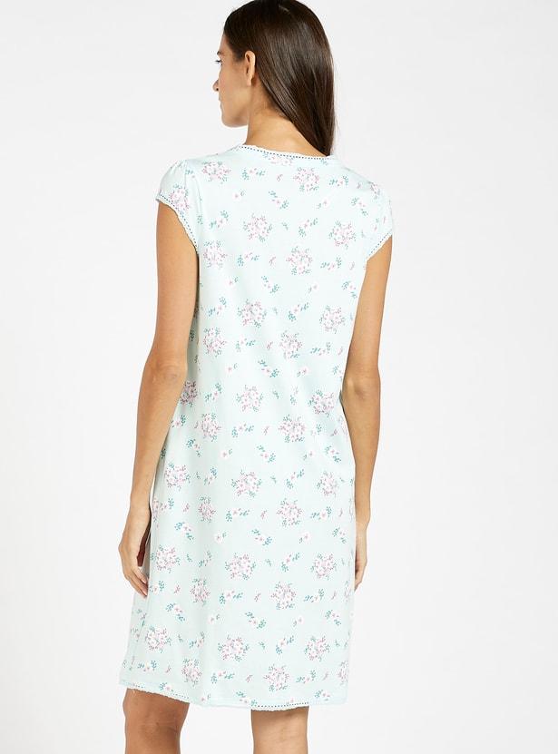 فستان نوم للحوامل بطبعات أزهار وإغلاق أمامي بأزرار