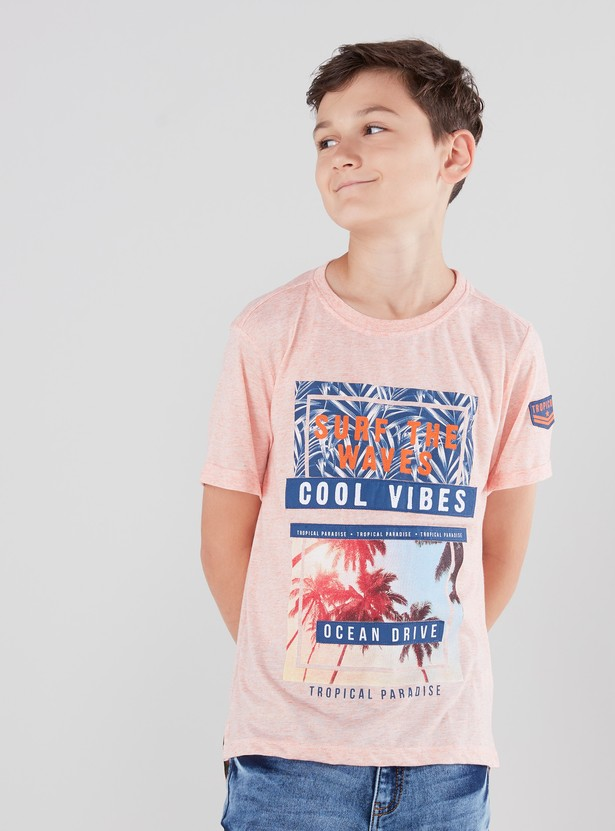 Printed T-shirt with Short Sleeves and Round Neck