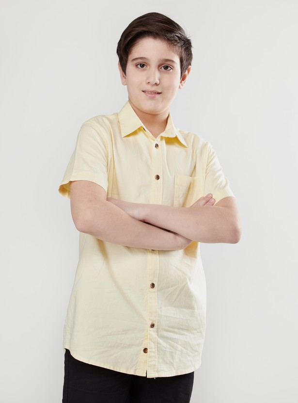 Solid Oxford Shirt with Short Sleeves and Pocket Detail