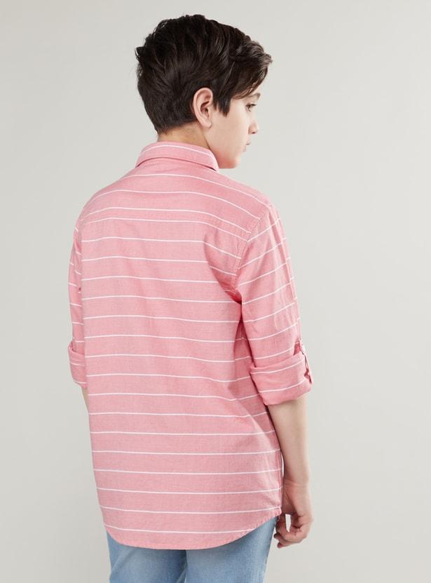 قميص مخطّط بأكمام طويلة و تفاصيل جيب