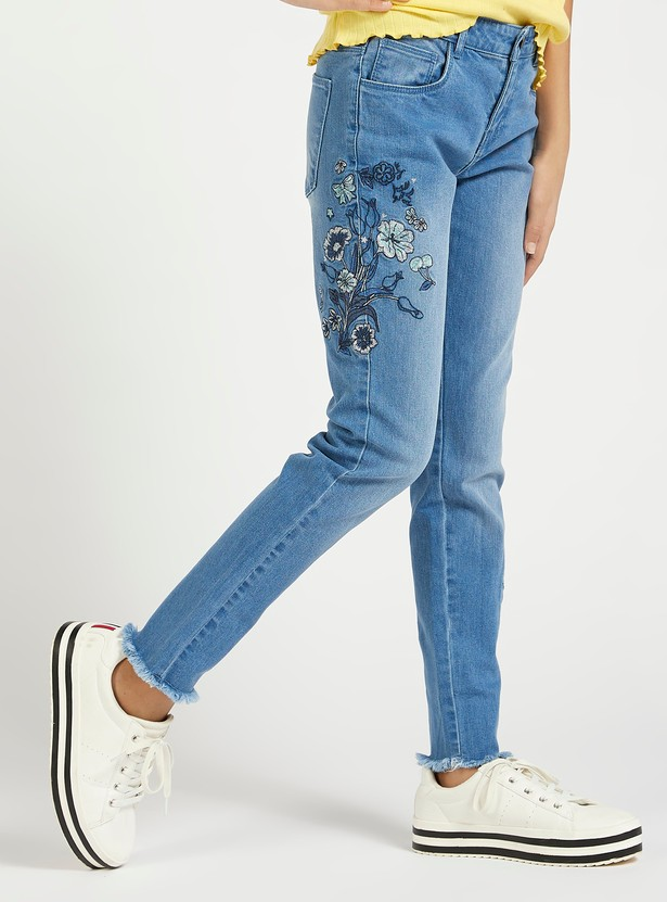 Embroidered Detail Jeans with Pockets and Frayed Grazers