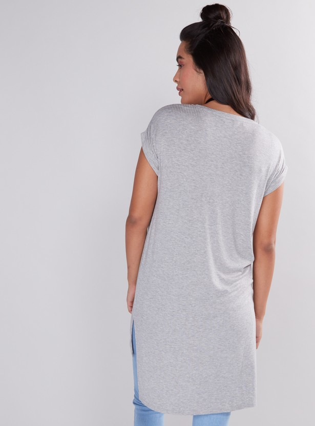 Printed Longline T-Shirt with High Low Hem and Extended Sleeves