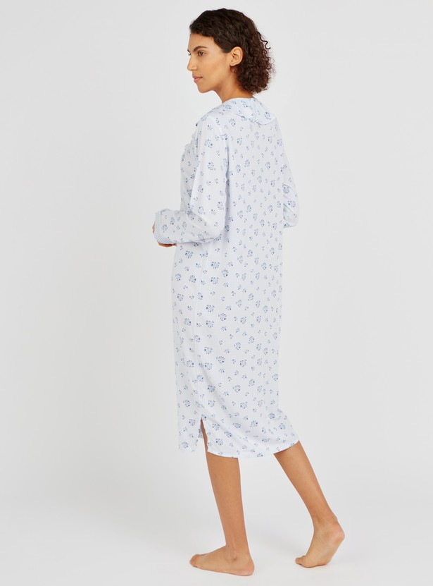 قميص نوم بطبعات أزهار وياقة v وأكمام قصيرة