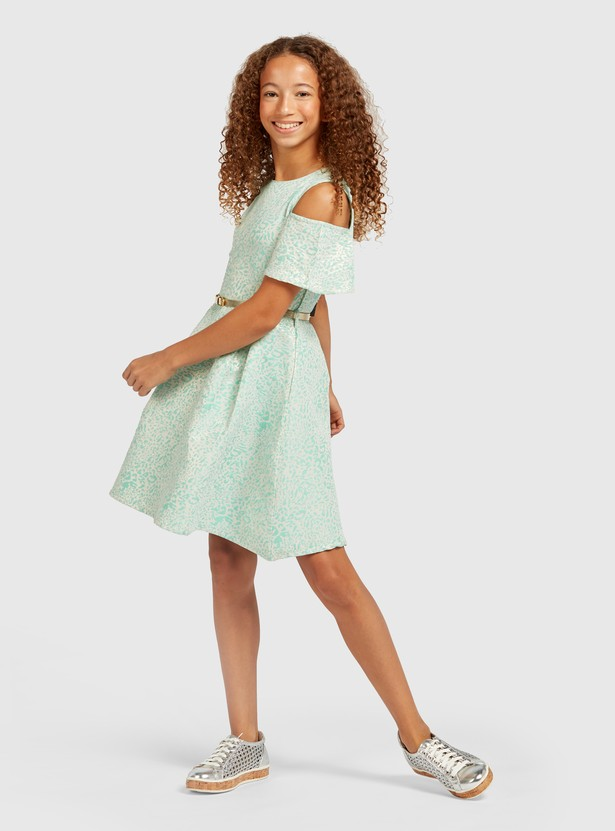 Animal Textured Knee Length Dress with Short Sleeves