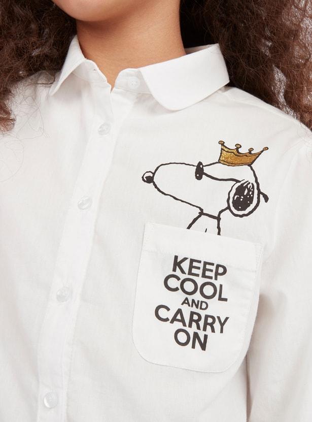 قميص بياقة عادية وأكمام طويلة وطبعات سنوبي