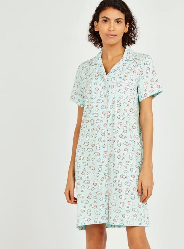 قميص نوم بأكمام قصيرة وطبعات ميفي