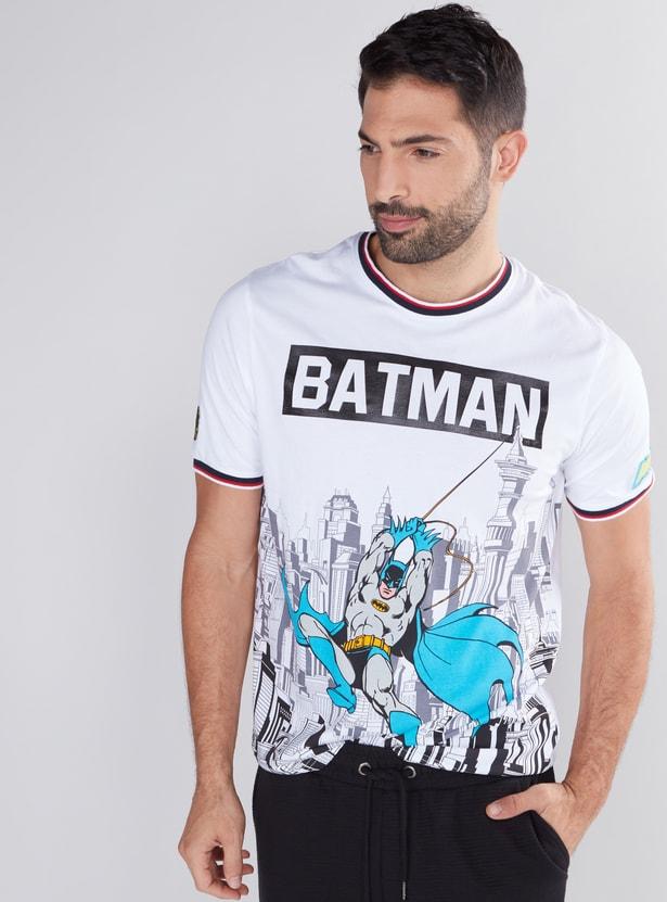 تيشيرت بياقة مستديرة وأكمام قصيرة وطبعات باتمان