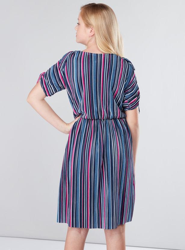 Textured Round Neck Short Sleeves Dress
