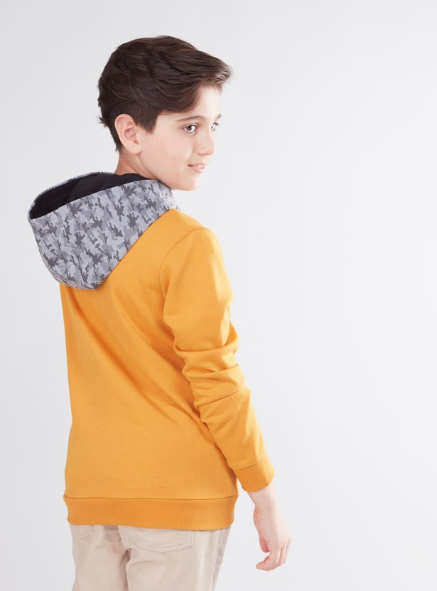 Textured Hooded Sweatshirt with Long Sleeves